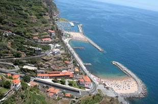 Restaurants in Calheta